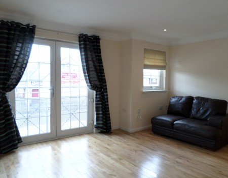 Kildare Place, Newmains, ML2 9FB