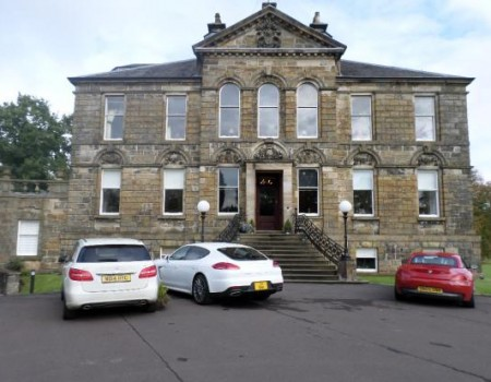 Cumbernauld House Apartment